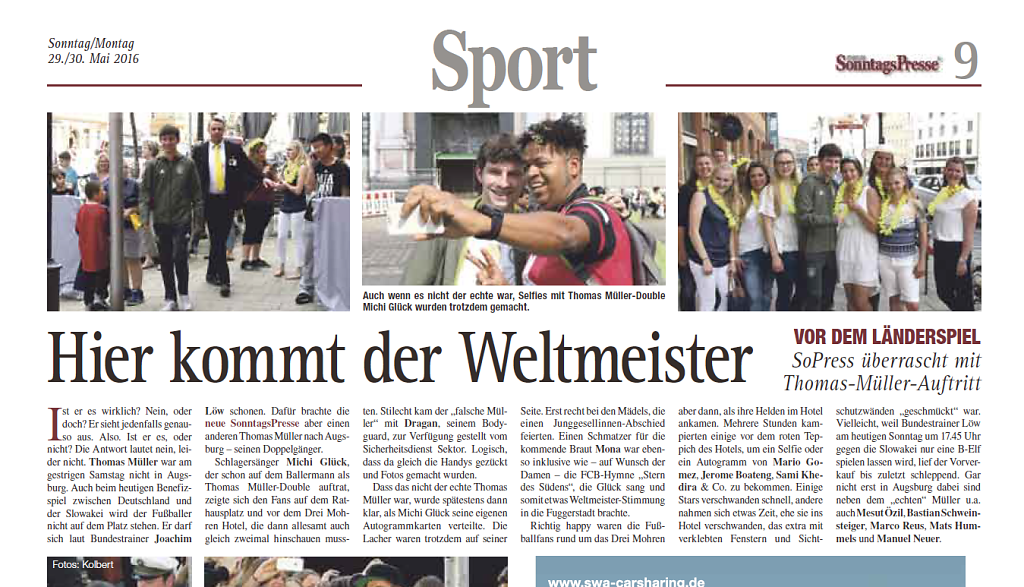 Die neue Sonntagspresse über Michi Glück als Thomas Müller in Augsburg vor dem Länderspiel