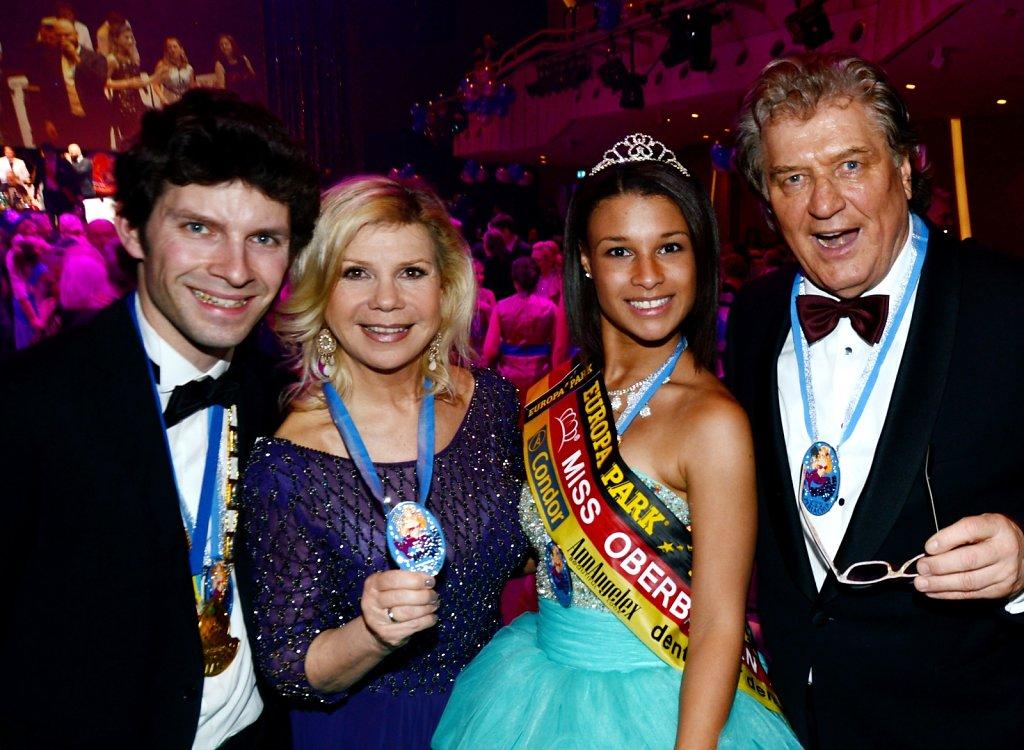 Michi Glück mit dem Komponisten Ralph Siegel und Marianne und Michael